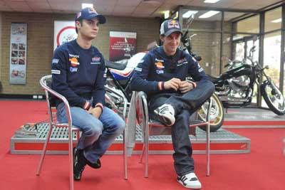 """MotoGP – Andrea Dovizioso e Dani Pedrosa visitano """"Honda Training Centre"""""""