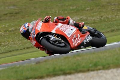 MotoGP – Sachsenring FP1 – Casey Stoner precede Dani Pedrosa e Valentino Rossi