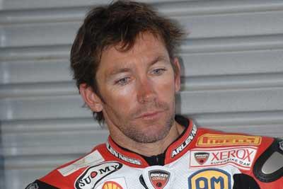 MotoGP – Troy Bayliss in sella alla Ducati GP9 al Mugello