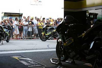 Moto2 – Il Team Tech3 sarà presente nel 2010, Suter presenta la sua moto