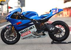 Katja Poensgen in pista con la Suzuki MotoGp….