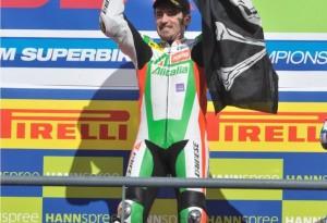 Superbike – Gara 2 Portimao – Doppietta di Max Biaggi, bene Haslam e Crutchlow