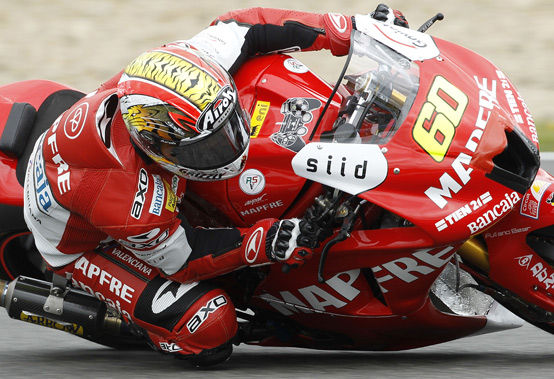 Julian Simon in azione nei test della Moto2 a Jerez