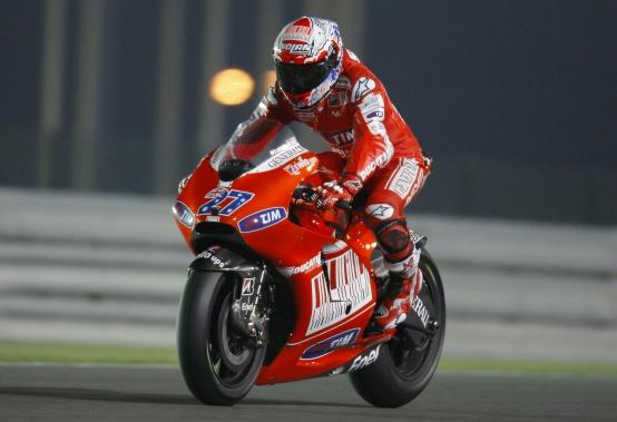 MotoGP – Losail Prove libere 1 – Stoner precede Lorenzo e Rossi