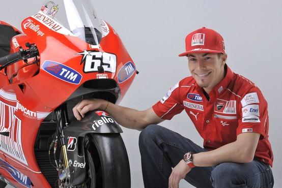 MotoGP – Nicky Hayden rinnova per due anni con Ducati