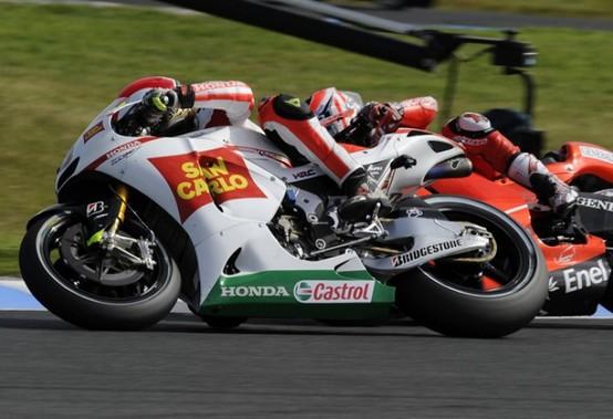 MotoGP – Phillip Island – Buona gara per Simoncelli, solo nono Melandri