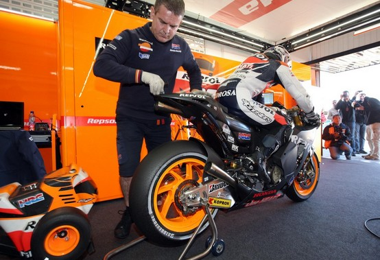 "MotoGP – Dani Pedrosa ""avverte"" Casey Stoner sul motore Honda"