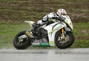 Superbike – Sul bagnato dei test di Portimao svetta Xaus