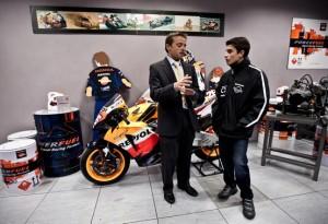 """Moto2 – Marq Marquez visita il """"Repsol Technology Centre"""""""