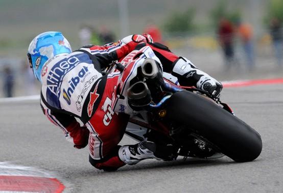 Superbike Miller: Doppietta per Checa, Camier e Biaggi sul podio