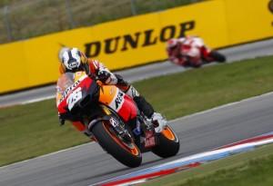 MotoGP Brno, Qualifiche: Pedrosa in pole, Rossi risale ed è sesto