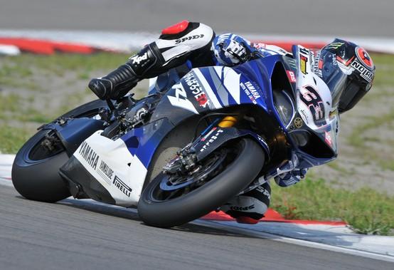 Superbike: Melandri tra BMW, Aprilia e Kawasaki
