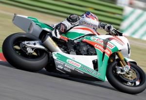 Superbike Imola: Un grande Rea piega Haga in gara 1