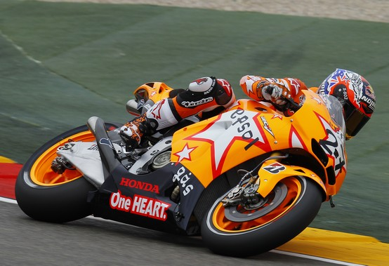 MotoGP Aragon, Warm Up: Stoner si conferma al comando