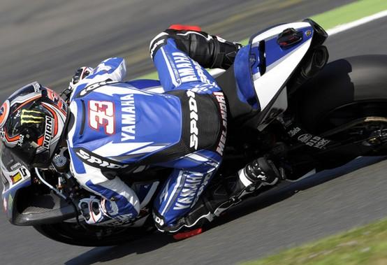 Superbike Magny-Cours: Melandri in pole provvisoria