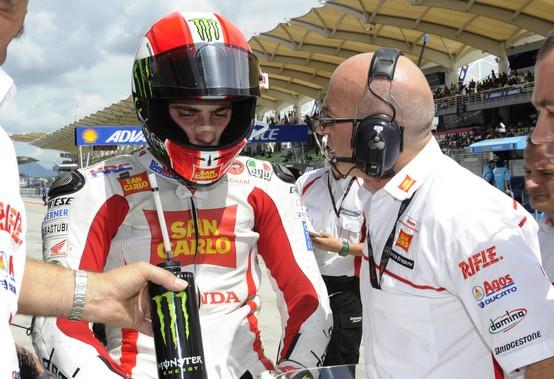 MotoGP Sepang:  Bandiera Rossa, brutto incidente per Simoncelli, con Edwards e Rossi coinvolti