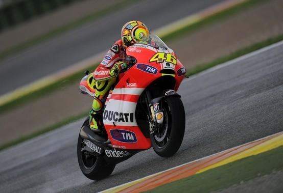 """MotoGP Valencia, Prove Libere: Valentino Rossi """"Lo stato dell'asfalto è al limite"""""""