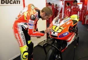 MotoGP: Niente Eicma per Valentino Rossi