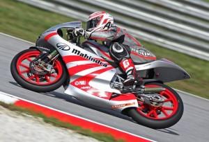 125cc Valencia, Qualifiche: Prima pole per la Mahindra di Webb