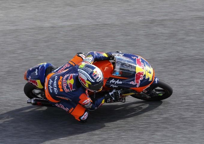 Moto3 Estoril: Cortese centra la prima vittoria davanti a Vinales, Out Fenati