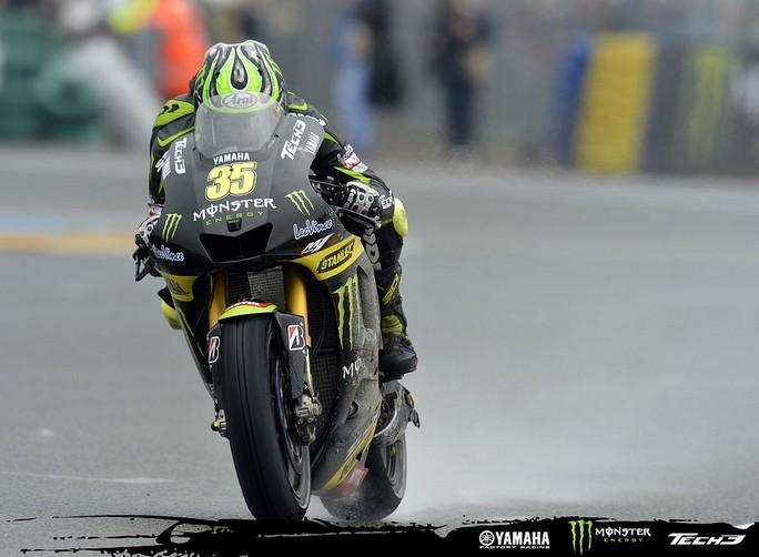 MotoGP Barcellona, Warm Up: Con il bagnato Crutchlow davanti a Stoner, Rossi 3°