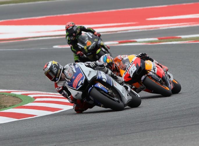 MotoGP Barcellona: Terza vittoria del 2012 per Jorge Lorenzo