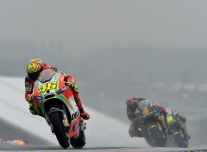 MotoGP Silverstone, Prove Libere 1: Rossi al comando davanti ad Hayden
