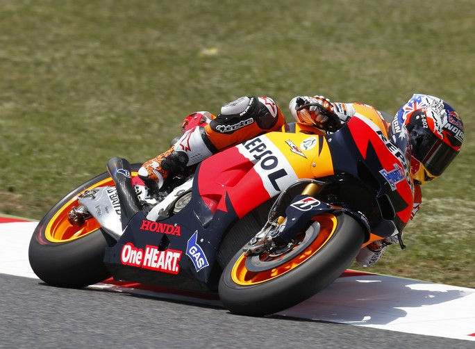 MotoGP Silverstone, Prove Libere 2: Stoner al comando, Rossi solamente undicesimo