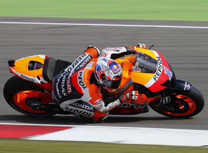 MotoGP Assen, Qualifiche: A sorpresa la pole va ad uno straordinario Casey Stoner