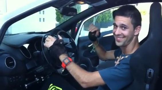 Joan Lascorz sorride al volante di una quattro ruote – Video