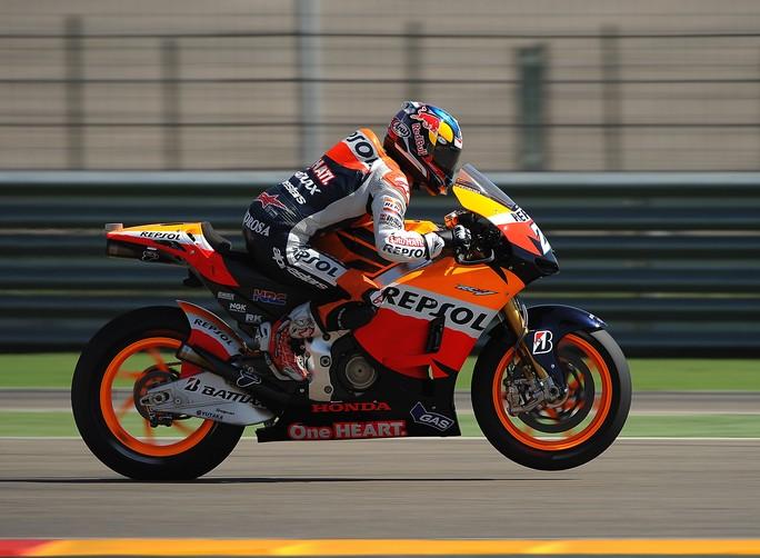 MotoGP Aragon: Pedrosa domina e va a vincere la quarta gara dell'anno davanti a Lorenzo