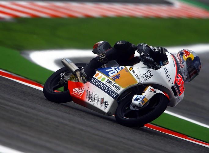 Moto3 Aragon: Luis Salom va a vincere una combattutissima gara davanti a Cortese e Folger