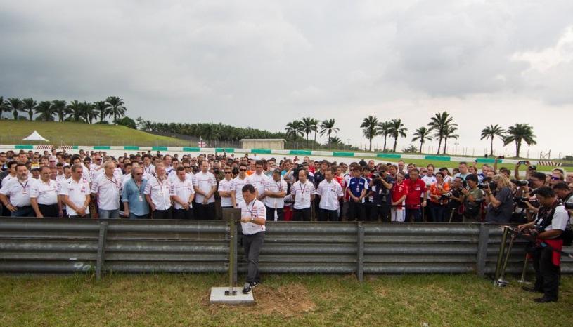MotoGP: Il paddock di Sepang onora la memoria di Marco Simoncelli