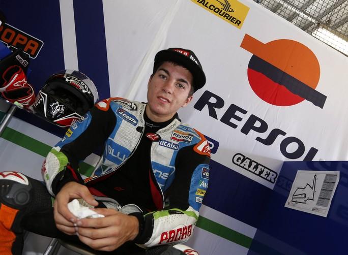 Moto3: Maverick Vinales vicino alla KTM del Team Laglisse