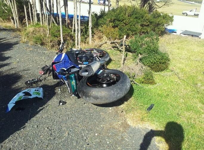 camier-bike-crash-test-phillip-island-2013