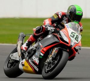 Superbike Silverstone: Eugene Laverty conquista la prima pole stagionale