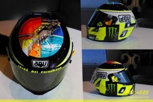 MotoGP Misano: Ecco il casco di Valentino Rossi, con una dedica a Marco Simoncelli