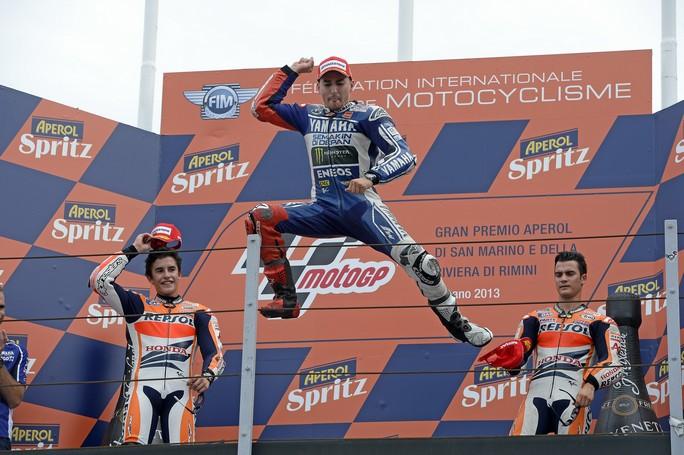"""MotoGP Misano: Jorge Lorenzo """"E' arrivata una grande vittoria, che voglio dedicare a Marco Simoncelli"""""""