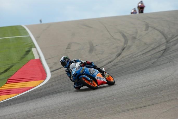 Moto3 Aragon: Alex Rins vince portando a cinque i successi del 2013, campionato riaperto