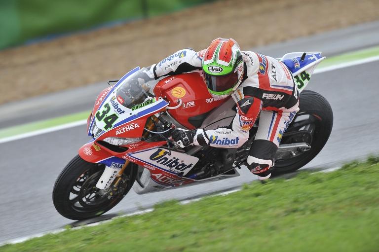 Superbike Spagna: Giugliano svetta nelle qualifiche