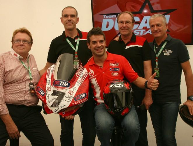 Superbike: Nolan, casco speciale per i 20 anni di competizioni di Carlos Checa