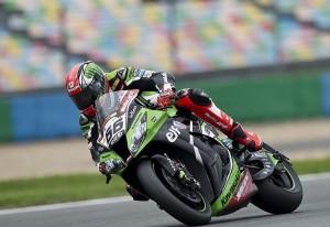 Superbike Magny Cours: Doppietta per Tom Sykes, che ipoteca il titolo