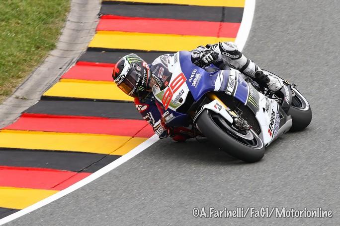 """MotoGP: Wilco Zeelenberg """"Dura perdere il titolo, ma Lorenzo ha guidato alla grande"""""""