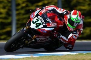 Superbike: Giugliano davanti a tutti a Jerez