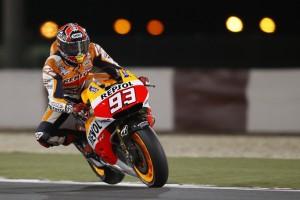 MotoGP Qatar: Uno strepitoso Marquez  batte Rossi, Lorenzo subito a terra