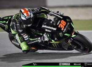 MotoGP Qatar, Day 2: Una caduta rallenta Smith ed Espargarò