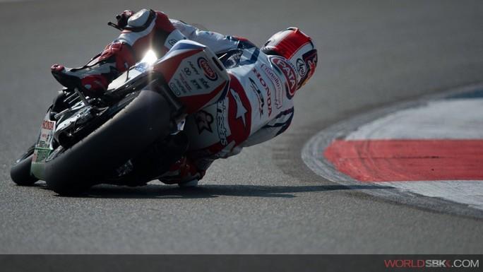 Superbike: Ad Assen in Gara 2 alla fine la spunta Jonathan Rea