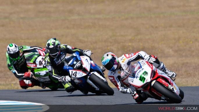Superbike: Ancora un grande round per Niccolò Canepa
