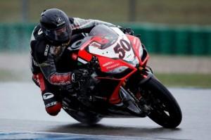 Superbike: Guintoli alza bandiera rossa in Gara 2