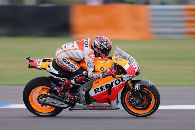 """MotoGP Rio Hondo: Uno strepitoso Marquez centra il """"triplete"""", sul podio Pedrosa e Lorenzo"""